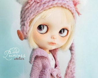 Blythe Helmet PINK SWEET BEAR By Odd Princess Atelier, Hand Knitted Collection