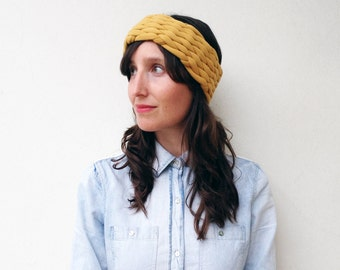 The mesh earwarmer - handwoven in solid colors of jersey fabric