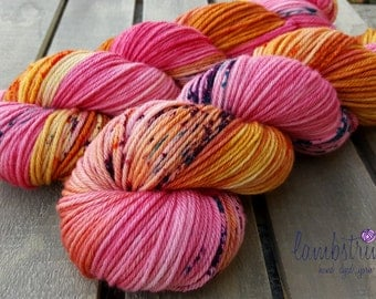 Ewetopia Worsted, Hand dyed yarn, Superwash Merino Wool, 218 yds/ 100g: Candy Shoppe.