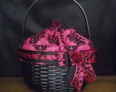 READY TO SHIP- Fushia And Black Bling Bow Hand Woven Basket Purse With 8 Inch Handle