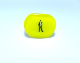 Tiny people ring. Resin ring. Modern jewelry. resin jewelry.  Miniature, diorama kawaii jewelry.