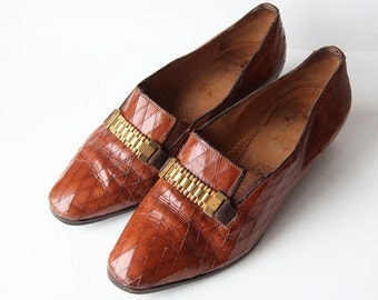 Vintage cognac brown diamond cut leather low heel slip on loafers shoes Sz 8