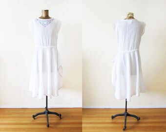 Vintage White Dress / 80s Dress / White Sundress / Bohemian Clothing / Medium