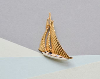 Vintage sailing boat brooch sports quirky rhinestone costume jewelry women animal 90s gift statement dead stock