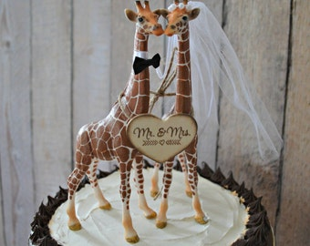 Giraffe wedding cake topper zoo jungle theme Mr Mrs wood wedding sign bride and groom kissing giraffe animal decorated zoo wedding topper