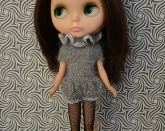 Sparkly silver knitted mohair romper with frilled collar for Blythe, pullip, dal, licca and similar sized dolls