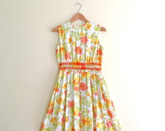 Vintage Yellow & Orange Floral Print Bow Waist Dress / Box Pleated Day Dress / Sleeveless Dolly Dress - 1950s / 1960s