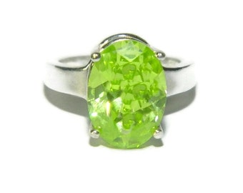 Dinner Ring, Sterling Silver Ring, Ring With Big Stone, Ring With Oval Stone, Lime Green Ring