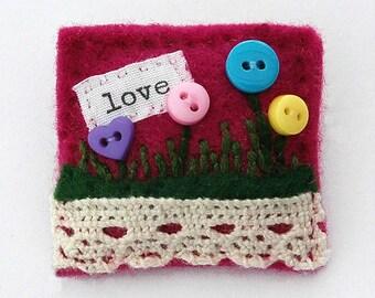 Button flower brooch - love - felt brooch - girlfriend gift - handmade jewellery - felt flower brooch - gifts for Mum - UK shops