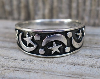 Vintage 925 Sterling Silver Moon and Star Ring