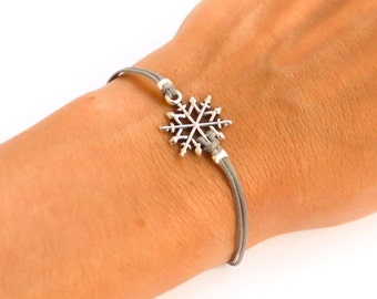 Snowflake bracelet, Birthday gift, women bracelet with silver snow flake charm, gray, gift for sister, christmas gift, winter bracelet