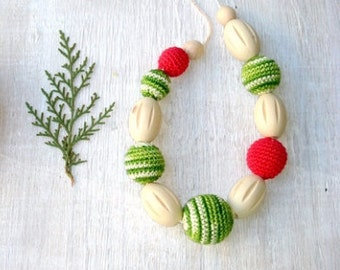 Nursing necklace Teething necklace Baby toy Breastfeeding necklace Babywearing toy Baby carrier toy Baby wrap necklace Red green white