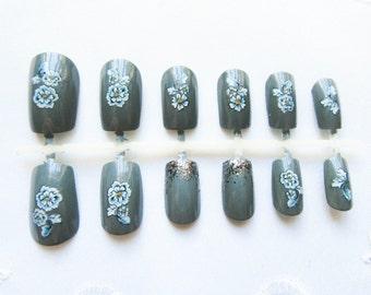 Grey Flowers Fake Nails, False Nails, Acrylic Nails, Press on, Nails, Grey, Gray, Flowers, Floral, Vintage Style
