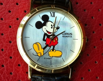 Mickey Mouse, Vintage Watch, Lorus by Seiko, Gold Plate Bezel, Mother of Pearl Dial, Roman Numerals, Quartz Battery, V811-1400 FREE SHIPPING