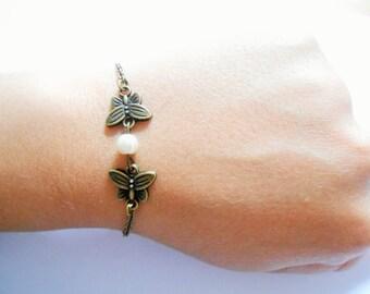 butterfly bracelet - peral butterfly bracelet - butterfly pendant - butterfly charm - butterfly vintage bracelet - Charm Bracelet
