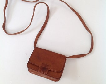 Vintage pleather shoulder purse