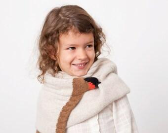 robin scarf, small singing bird, swallow