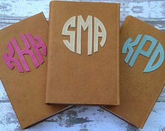 Monogrammed Leather Bible: Compact NIV, Personalize Bible, Circle Monogram