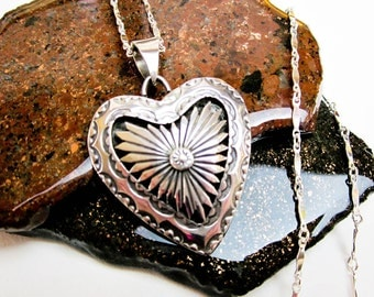 """50s Native American Heart Necklace 18"""" Sterling Silver Signed D.J. Southwestern USA."""