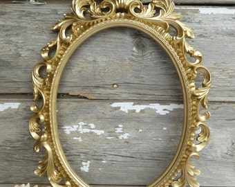 Large Hand Painted GOLD Ornate Baroque OVAL FRAME ~ Hollywood Regency ~ Wedding Photo Prop ~ Shabby Chic Decor ~ Paris Apartment