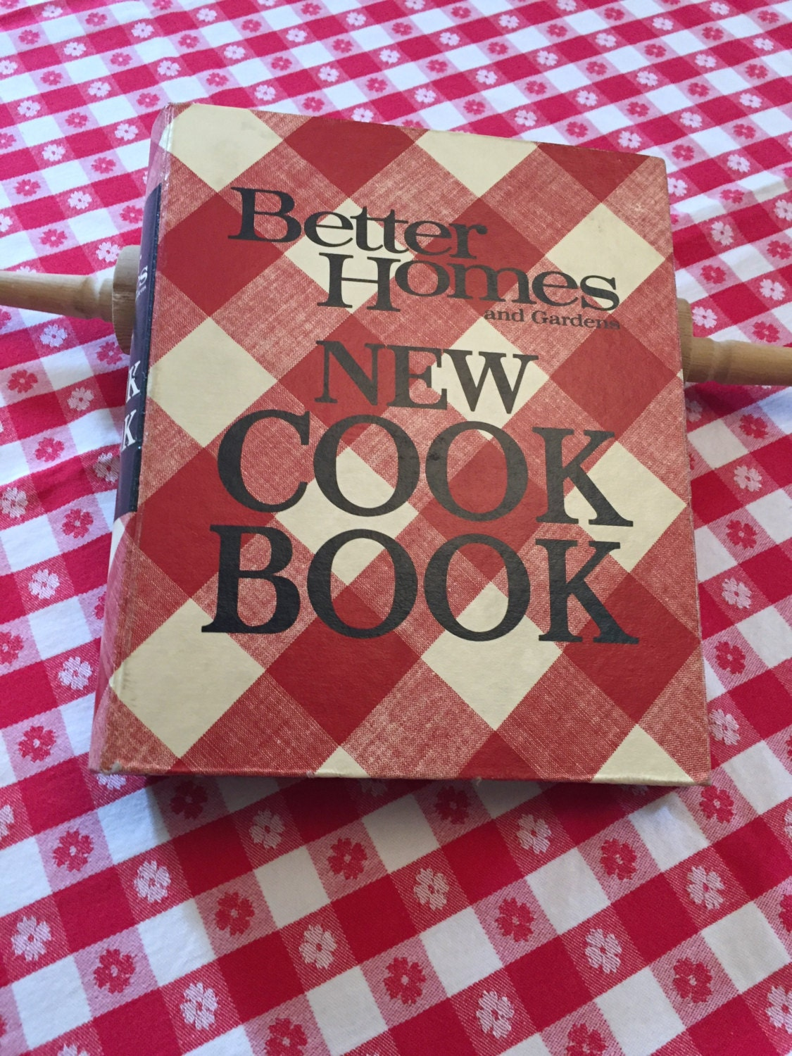 Checkered Cover Cookbook : Better homes gardens cook book vintage red plaid