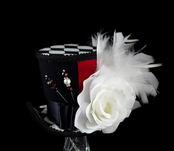 Queen of Hearts – Black, White, and Red Color Blocked White Rose Large Mini Top Hat Fascinator, Alice in Wonderland, Mad Hatter Tea Party