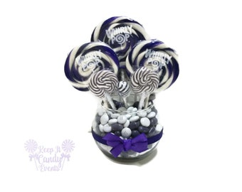 Small Purple Candy Centerpiece, Purple Quinceanera Ideas, Sweet 16 Candy, Candy Table Decoration, Lollipop Centerpiece, Purple Wedding