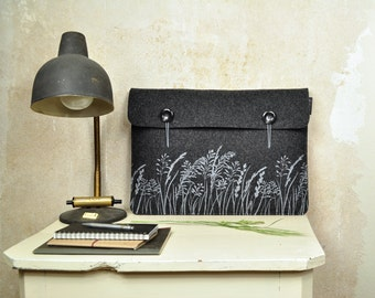 "Laptop Sleeve 15"" - Macbook case - screenprinted Dark Gray Felt cover - soft case with Wild Grass Nature Pattern - ecofriendly & vegan"