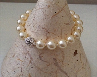 Bracelet, Pearl Bracelet, Cream Pearl Bracelet, Hand Knotted, 8mm pearls, Magnetic diamante clasp.