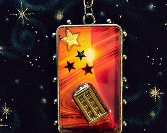 "Doctor Who TARDIS 1.8"" pendant on 18"" chain"