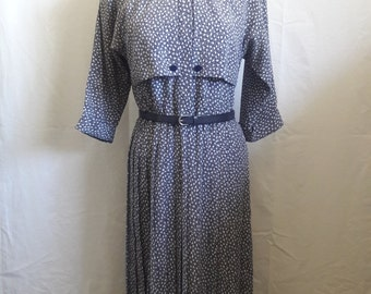 REDUCED PRICE 70's Vintage Liz Roberts Blue & White Collared Pleated  Women's Dress Size 8