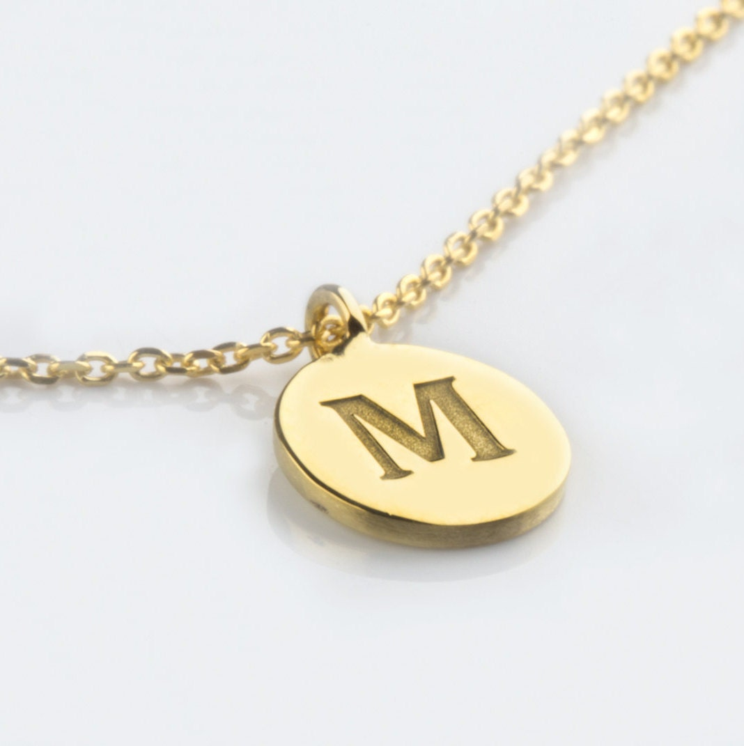 initial necklace monogram disc necklace gold initial disc. Black Bedroom Furniture Sets. Home Design Ideas