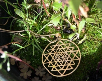 "Necklace ""Shri Yantra"" - 4,5cm -"