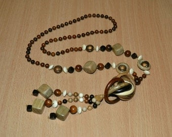 Natural wooden necklace. Wooden beads.