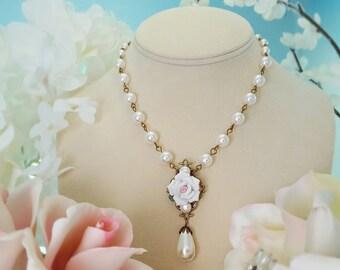 Victorian Bridal Necklace, Wedding Necklace, White Rose Bridal Jewelry, White Pearl Necklace, Pearl Teardrop Necklace, Wedding Gift, N4613
