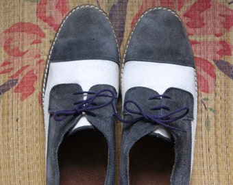 Blue suede and cream derbys. Cap toe derbys. Suede lace up oxfords. Summer bucks. Blue suede shoes. Size 13 / Eu43