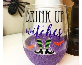 Drink Up Witches Glitter Wine Glass // Witch Wine Glass // Funny Wine Glass // Glitter Dipped Wine Glass // Halloween Wine Glass