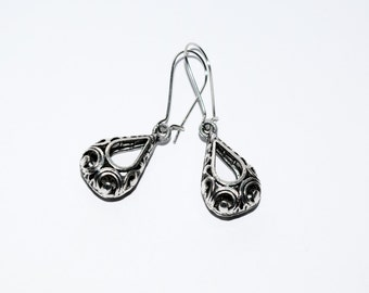 Elegant Antique Silver Filigree Drop Earrings