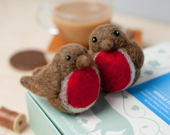 Robins Needle Felting Kit - Felting Robins Craft Kit - Christmas craft kit - craft set gift - felt robins project - robin craft kit adults