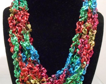 Multicolored Ladder Yarn Trellis Necklace New Style