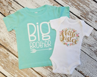 CUSTOMIZABLE Little sister Bodysuit and or Big Bother T-shirt / Big brother little sister set