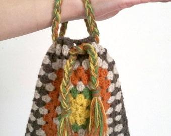 Crochet wrist pouch- fringed purse - hippie fringed bag- boho wrist pouch