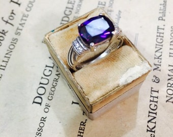 Vintage Avon Sterling Silver and Deep Purple Amethyst Stone Ring - Size 8