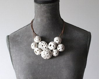 Artika ceramic, porcelain necklace