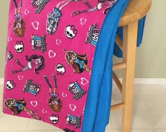 Large Blanket, Monster High Adult or Child) - Flannel & Cotton Fabric - Draculaura, Frankie Stein, Toralei, Lagoona Blue, Cleo Denile, Abbey