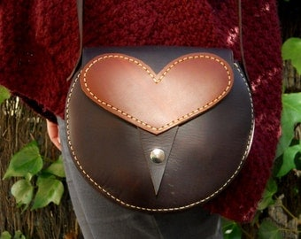LEATHER HEART PURSE / Leather bag / Round leather purse