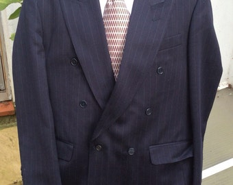 Vintage pinstriped suit.UK 40 EU 50 102 cm Short double breasted, wool, Centaur Gold Collection.