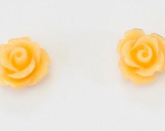 Rose studs peach