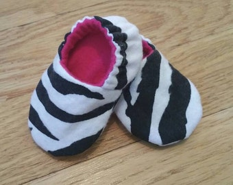 Zebra baby booties, baby shoes girl, lined soft sole baby shoes, pink crib shoes, flannel baby slippers