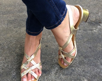 VINTAGE 1960s Metallic Gold Sandals by Personality
